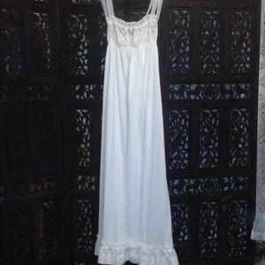 Vassarette 'Crepelon' Nightgown or Slip•Size 32